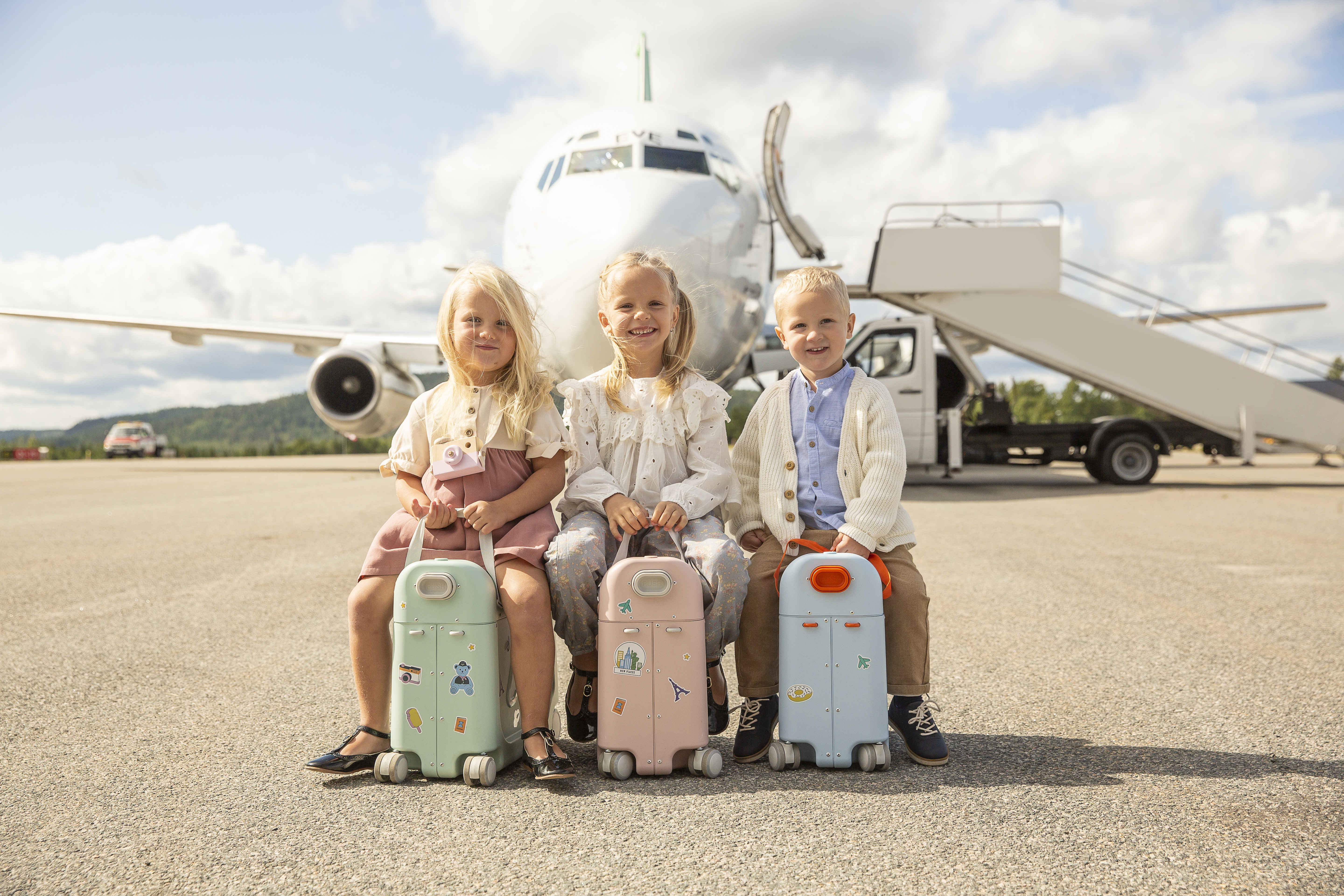 ride on suitcases by plane